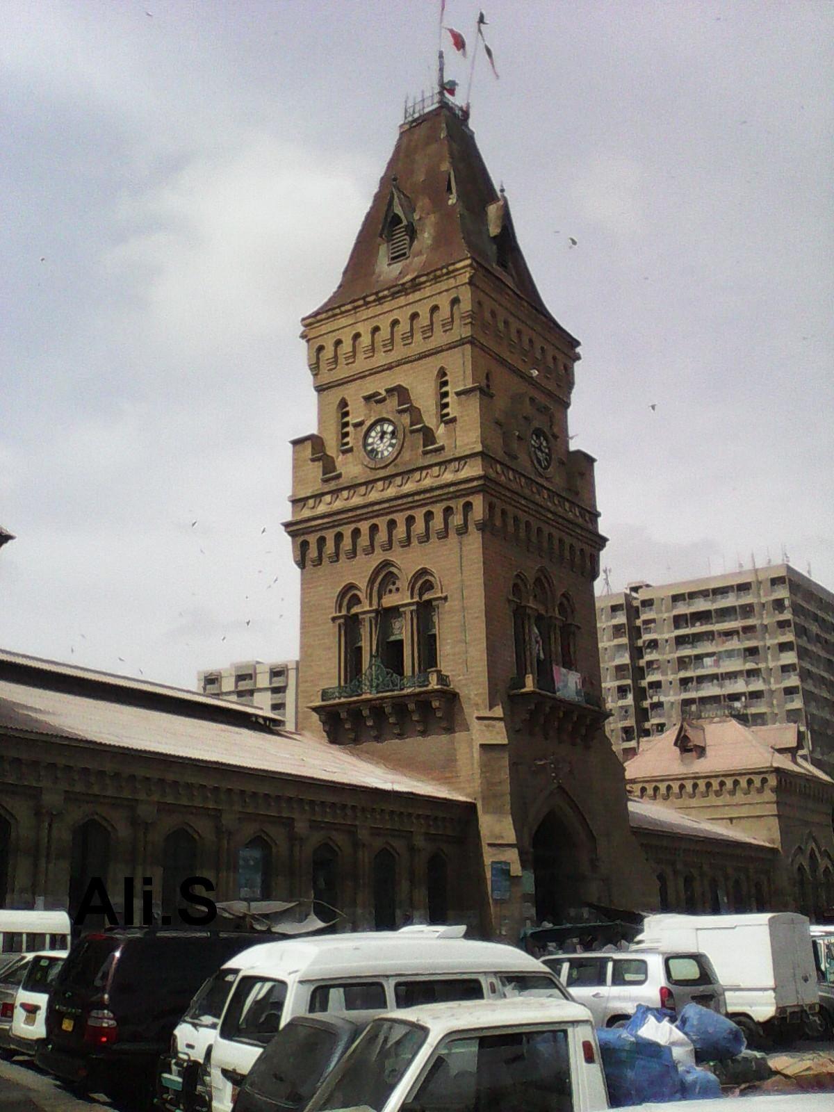 Historical places to visit in Karachi, Pakistan - Historical Empress Market in Saddar